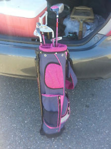 Woman's Golf Bag and Clubs............