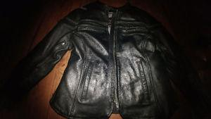 Women's high quality CNC motorcycle jacket. Size m but fits