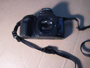 minolta maxxum 400si film type slr camera with shoulder