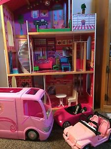 Barbie House and vehicles