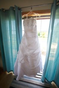 Bonny Bridal Wedding Dress Size 16 PRICED TO SELL