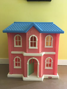 Little Tikes Victorian Doll House