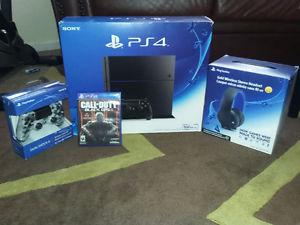 PS4 IN GREAT CONDITION, WITH A LOT OF ACCESSORIES AND