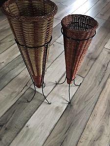 Wicker Vase stands Set of 2