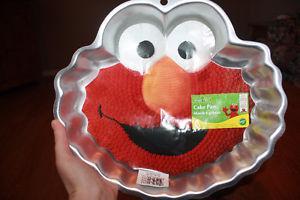 Elmo Cake Pan Decorating Instructions : 4 tier pan set wilton Posot Class