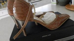 Women Shoes and boots - prices in description