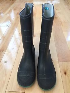 Boys rubber boots. Size 4