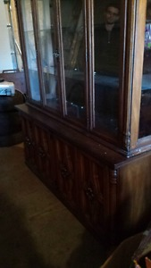 China Cabinet and hutch 400 obo