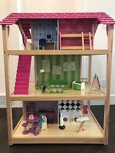 Kid Kraft So Chic Doll House & Barbie House
