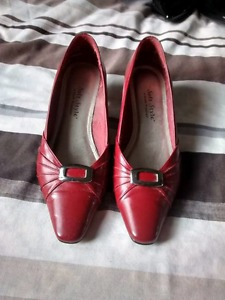 Ladies shoes hush puppies size