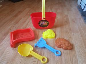 Lightning McQueen sandbox toys - new!