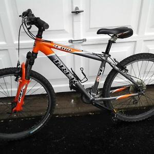 Mens Mountain Bike for sale bicycle - 21 speed suspension