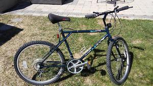 Murray Sabre Mountain Bike - Mens 18 Speed 26in Tires