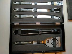 New BBQ tool set 5 piece by BergHOFF