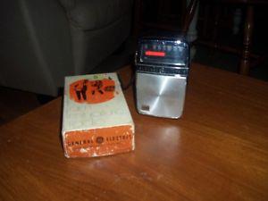RETRO  GENERAL ELECTRIC TRANSISTOR RADIO W/ ORIGINAL BOX