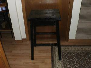 SIDE TABLE/STAND