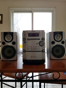 Sony CMT-HPX7 tape player and 5 cd changer stereo