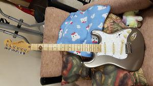 AWESOME MINT DREAM TOP OF THE LINE STRATOCASTER GUITAR