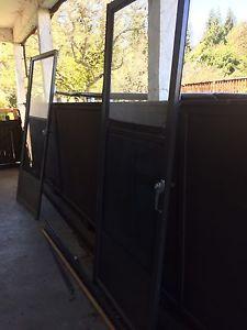 Exterior screen door