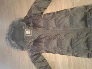 Girls xxl  long brown Gap winter jacket. Like new