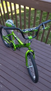 Kids' Bicycle / Bike - green and black with skull design