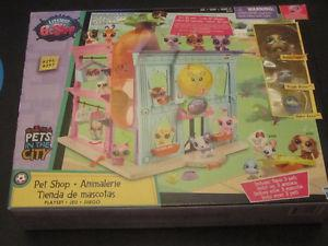 Littlest Pet Shop- Pet Shop Playset with 3 pets (NEW in box)
