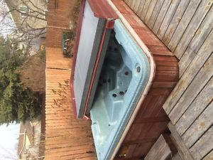 Older Hot Tub Best offer takes it!!!