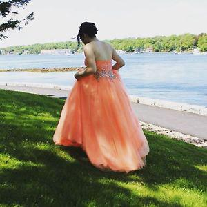 Wanted: Prom dress for sale