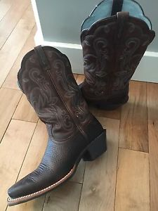 Wanted: Woman's Size 7 Ariat Cowboy Boots for Sale !