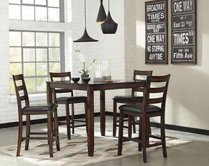 BEAUTIFUL Expresso Finish Dining Table Set BRAND NEW
