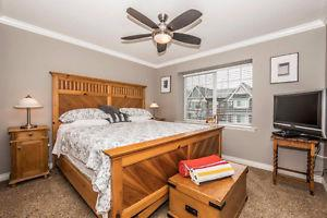 Bedroom Set - King Size Bed & Matt/Side Tables/Dresser