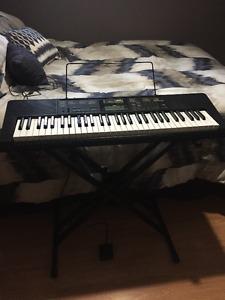 Casio Electric 61 Key Keyboard For Sale