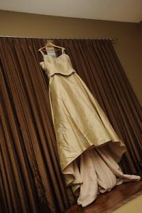 Gorgeous Antique Gold Wedding Dress - Size 28