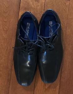 Size 4 boys dress shoe.