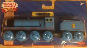 THOMAS & FRIENDS WOODEN RAILWAY-GORDON & TENDER TRAIN SET