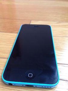 Unlocked iPhone 5C very good condition