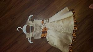 girls Size 2 formal dress never worn.