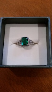 10Kt White Gold Diamond & Simulated Emerald Ring