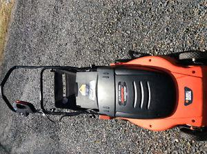 BLACK DECKER ELECTRIC LAWNMOWER WITH BAG. GREAT SHAPE