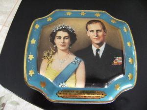 Boite de métal souvenir de la Reine Elizabeth