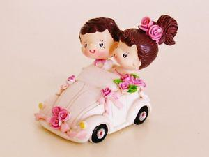 Honeymoon Bound Bride & Groom Couple in Car Wedding Cake