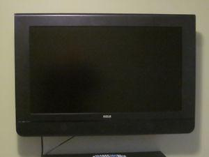 "Moving Sale - 32"" RCA Flat Screen TV & Wall Mount"