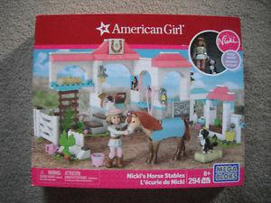 NEW American Girl Nicki's Horse Stable Mega Blocks