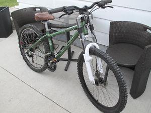 Norco Pinacle Medium Frame 24 speed Mountain Bike