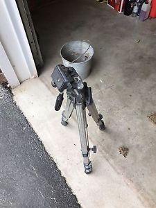 Slik camera tripod for sale