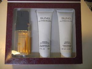 Sung by Alfred Sung perfume set, boxed, unused