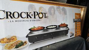 Trio crock pot set