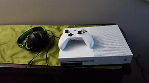 Xbox one 500gb 3games headset