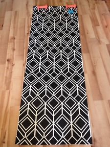 Yoga mat&a pair of dumbbells for sale