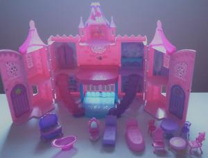 Barbie The Princess & The Popstar Musical Light Up Castle